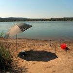 Kényelmesen a vízparton - a horgászernyő
